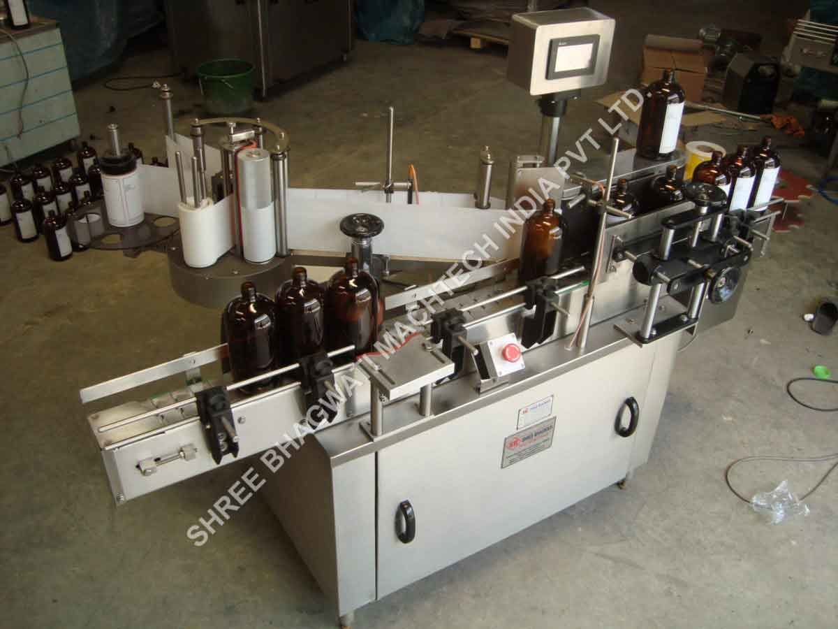 sticker labeling machine bottles